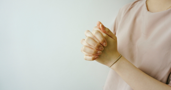 folded-hands-encourage-student